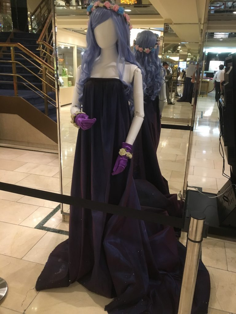 国際ホテルでは歴代の代表が制作した造形と衣装を展示