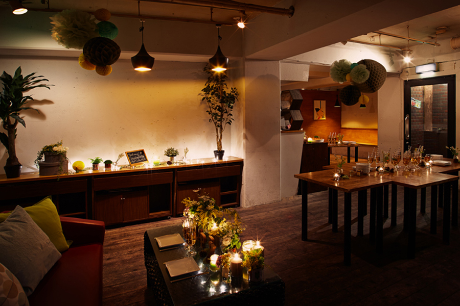 Apt Cafe.832